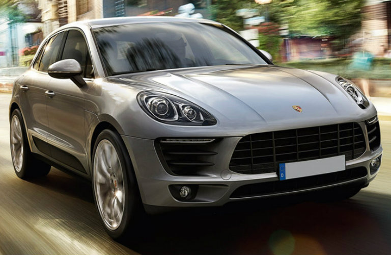 Front/side profile of 2018 Porsche Macan