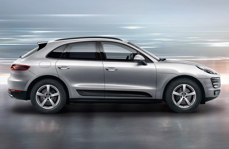 Side view of silver 2018 Porsche Macan