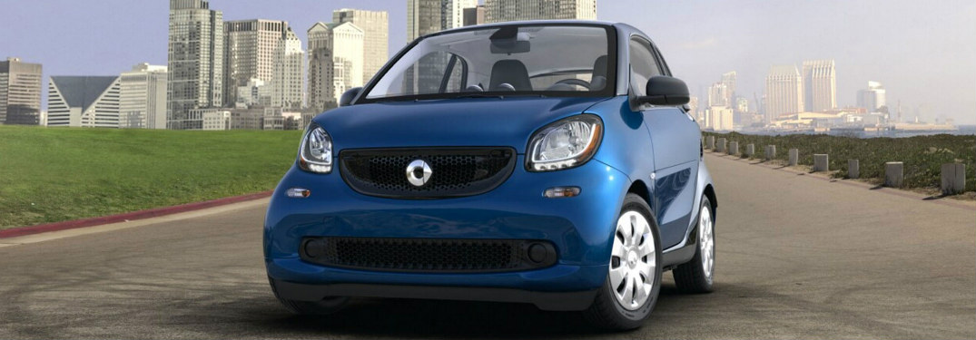 2017 smart fourtwo blue front view