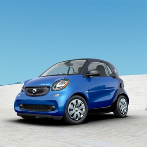 2018 smart fortwo electric drive pure Midnight Blue Metallic