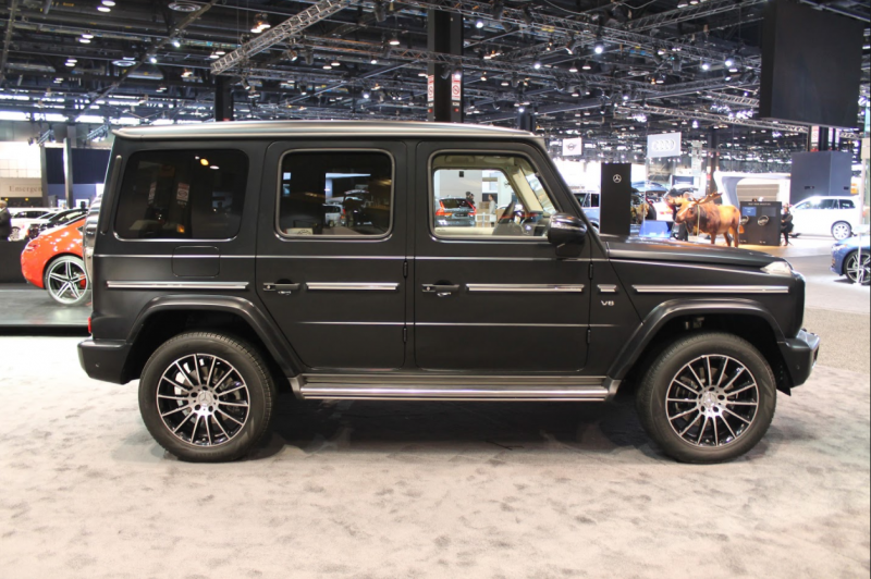 profile view of the 2019 Mercedes-Benz G-Class at the 2018 Chicago Auto Show