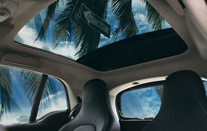 interior panoramic sunroof inside the 2018 smart fortwo electric drive prime