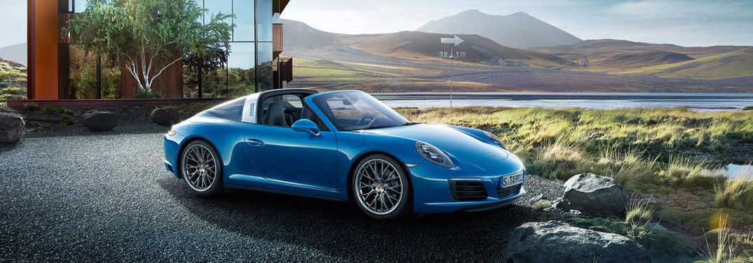What colors does the Porsche 911 Targa 4 come in?