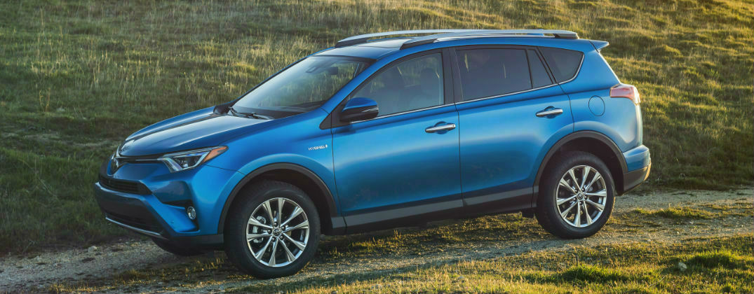 Power And Fuel Economy Of The 2016 Toyota RAV4 Hybrid