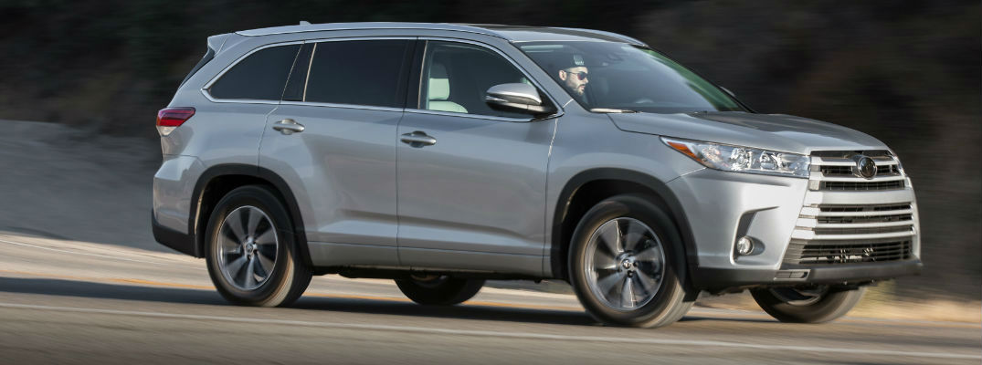 Silver 2017 Toyota Highlander Xle On The Road