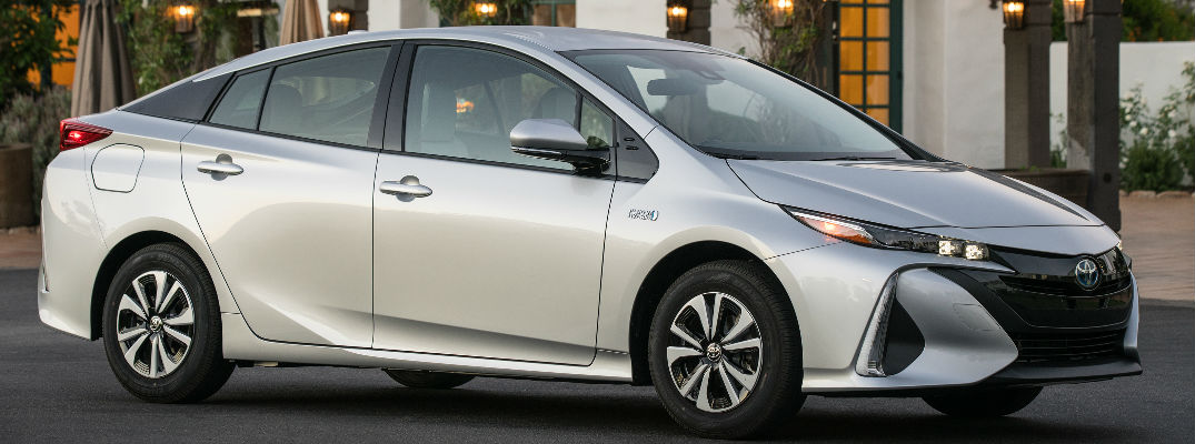 official 2017 toyota prius prime trim levels and prices. Black Bedroom Furniture Sets. Home Design Ideas