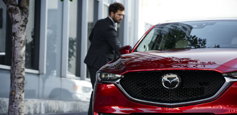 Wonderful 2018 Mazda CX 5 Man Utilizing Advanced Keyless Entry