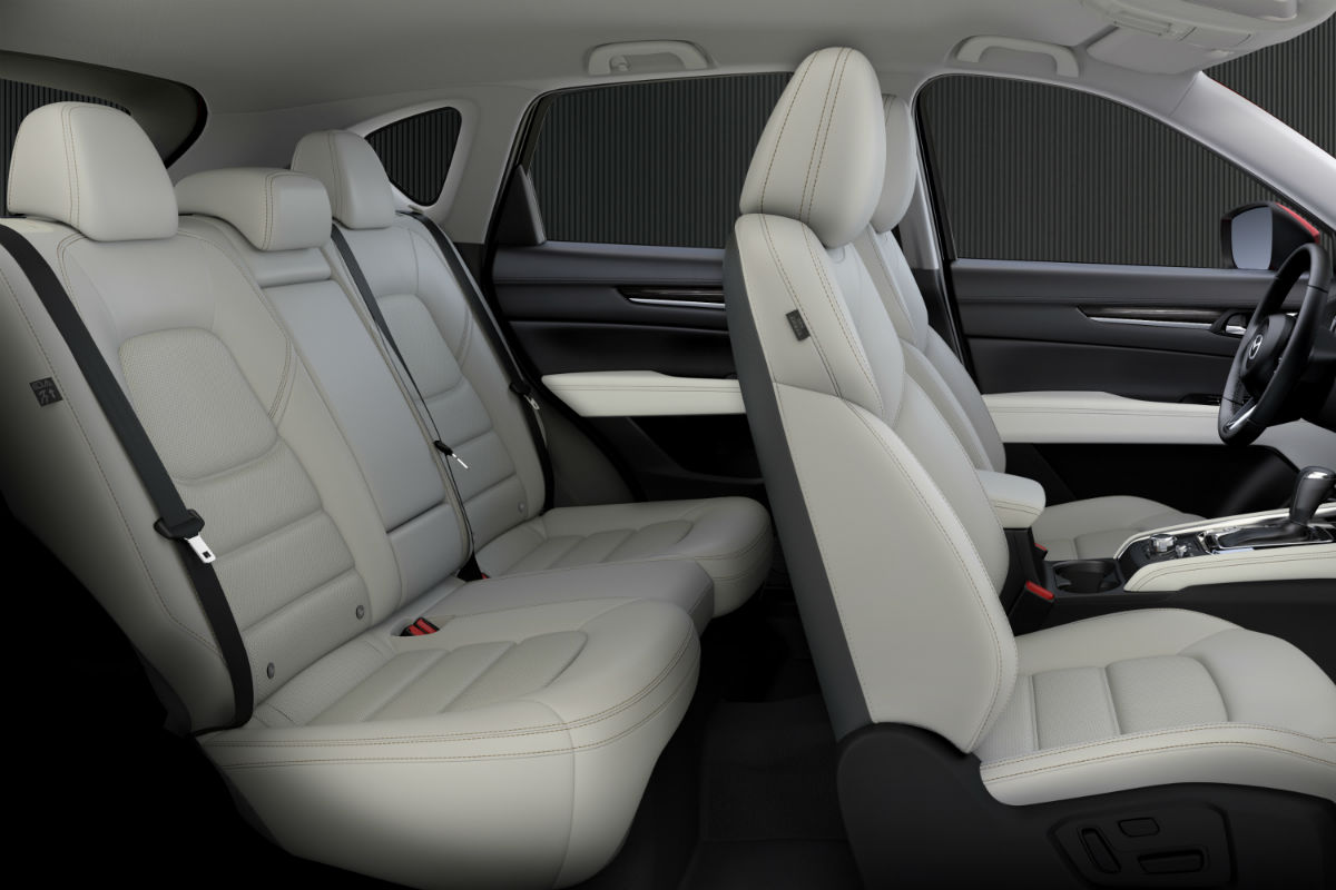 Side view of the two rows of seating in the 2018 Mazda CX-5