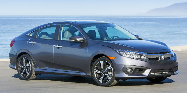 2017 Honda Civic Sedan Exterior View of Side in Silver