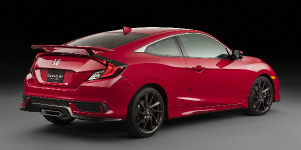 Side View of the 2017 Honda Civic Si in Red