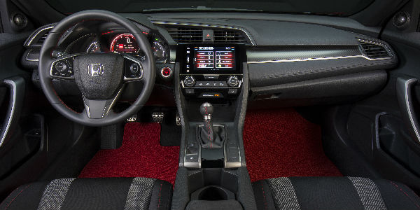 Interior View of Front Seats and Dashboard in the 2017 Honda Civic Si