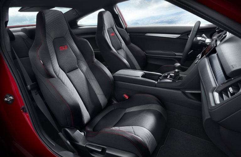 2017 Honda Civic Si Coupe front legroom