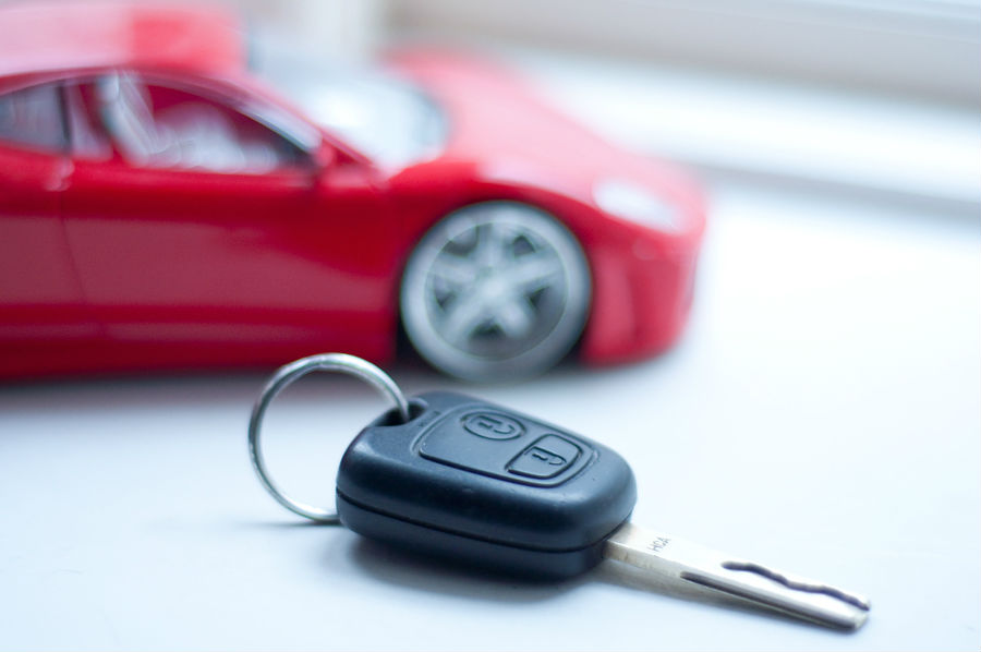 How to replace the battery in your vehicle's key fob