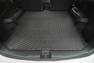 cargo-area-in-the-back-of-the-Honda-Pilot