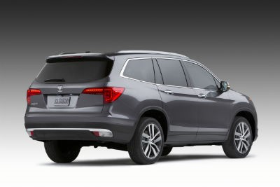 gray-Honda-Pilot-on-display-in-showroom