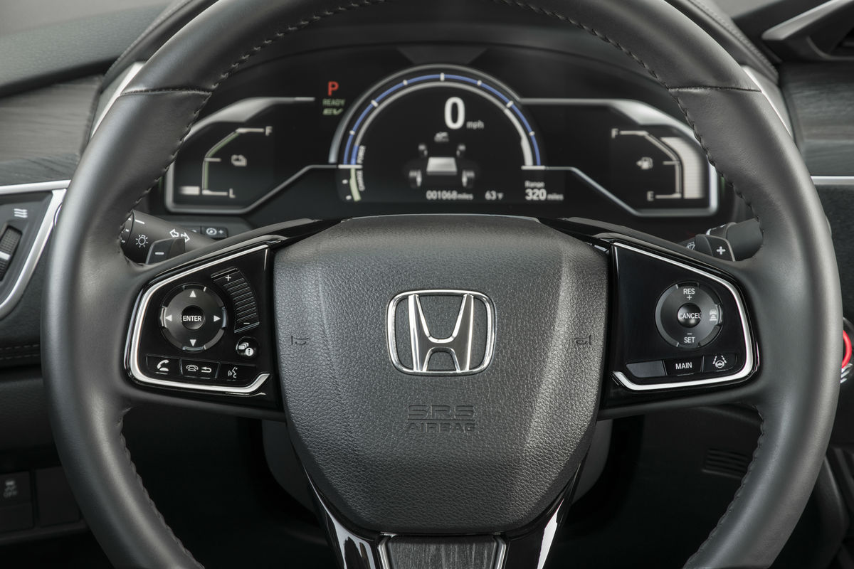 Steering wheel mounted controls and driver information cluster of the 2019 Honda Clarity Plug-In Hybrid