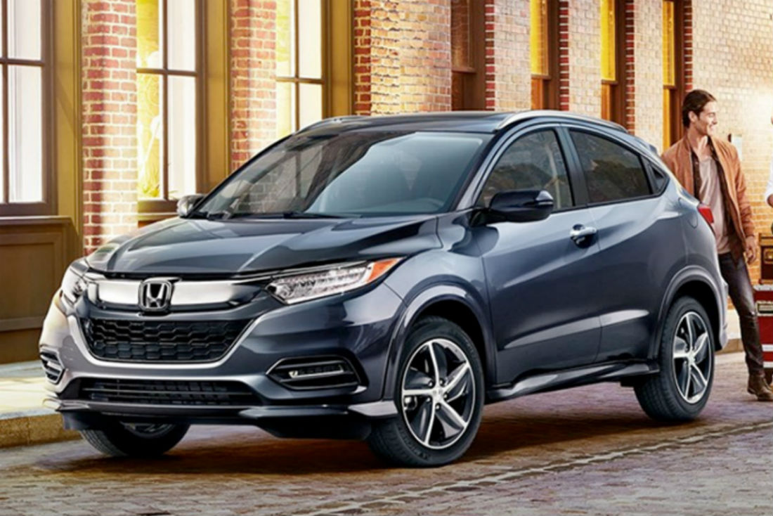 front driver side exterior view of a gray 2019 Honda HR-V