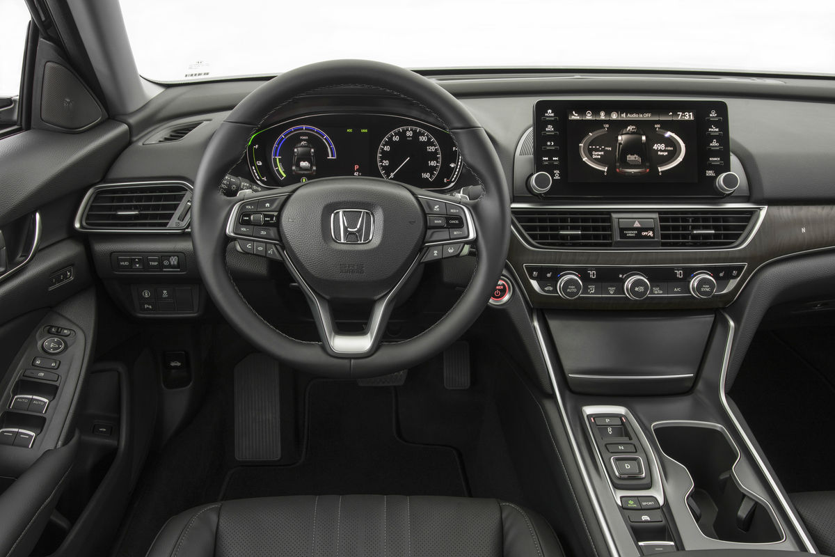 Driver's cockpit of the 2019 Honda Accord Hybrid