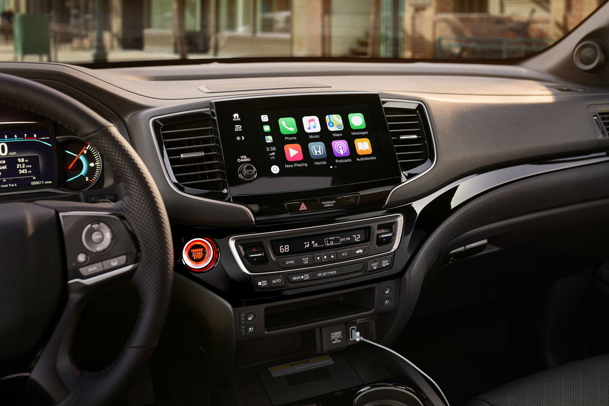 Touchscreen display and temperature controls of the 2019 Honda Passport