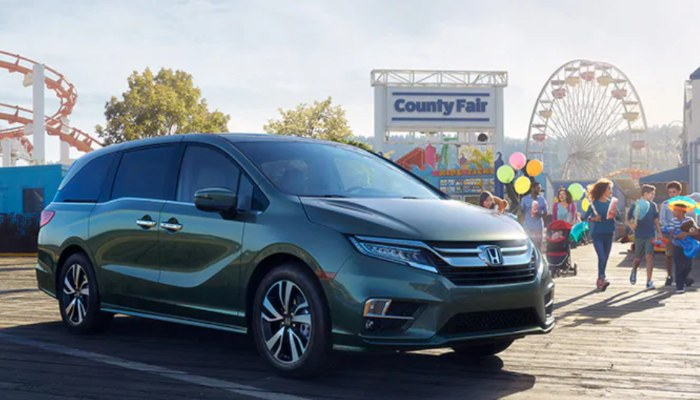 2019 Honda Odyssey parked at a fair