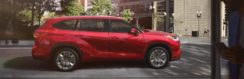 2020 Toyota Highlander exterior profile