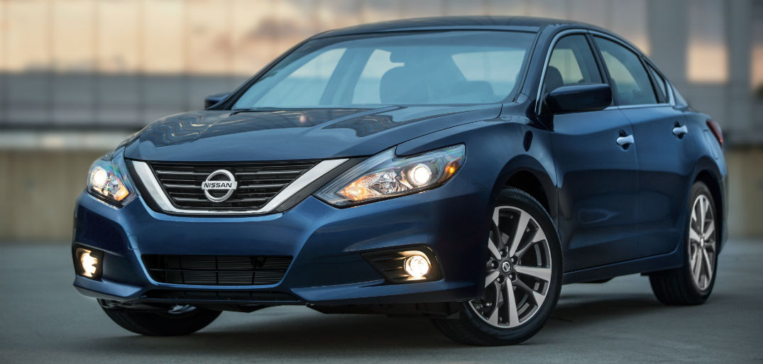 2016 Nissan Altima price and mpg