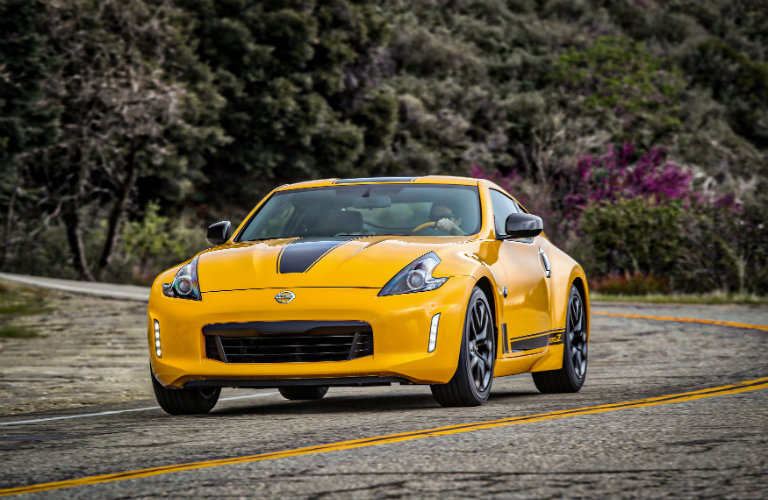 2018 Nissan 370Z Heritage Edition color options