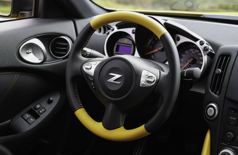 2018 Nissan 370Z Heritage Edition interior color options