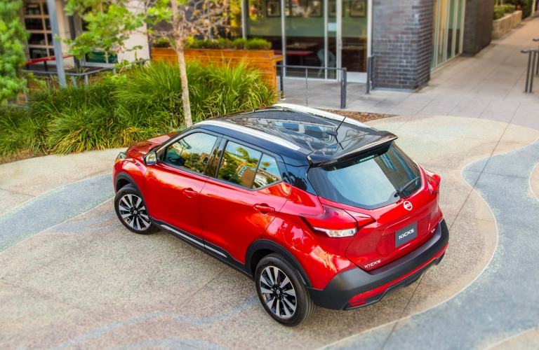 Birds-eye-view-of-red-2018-Nissan-Kicks-exterior-styling