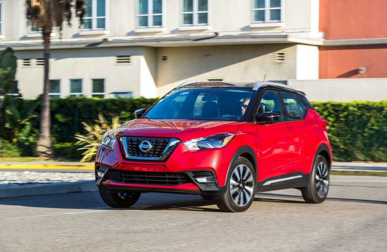 Red-2018-Nissan-Kicks-front-grille-and-exterior-styling