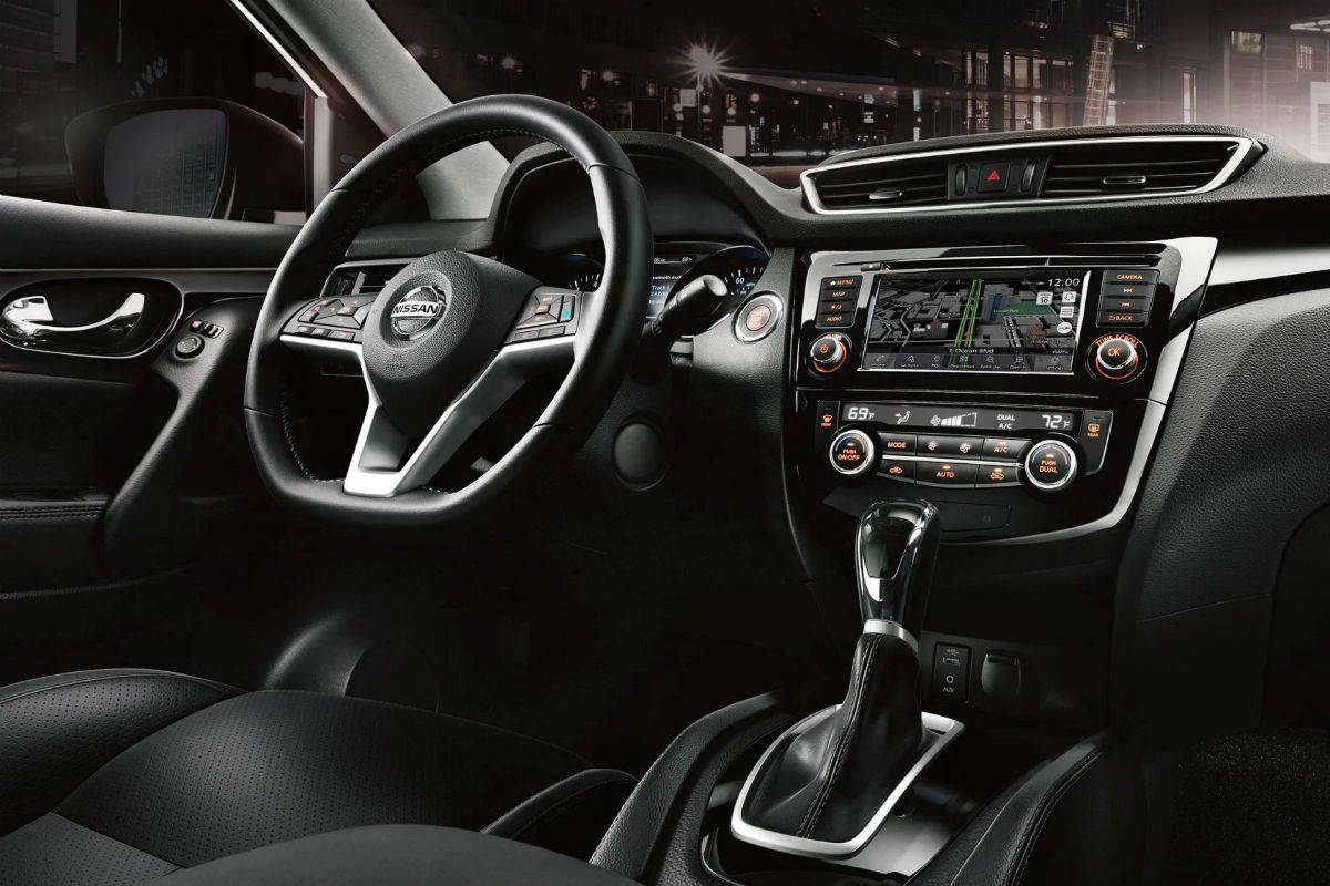Driver's cockpit of the 2019 Nissan Rogue Sport