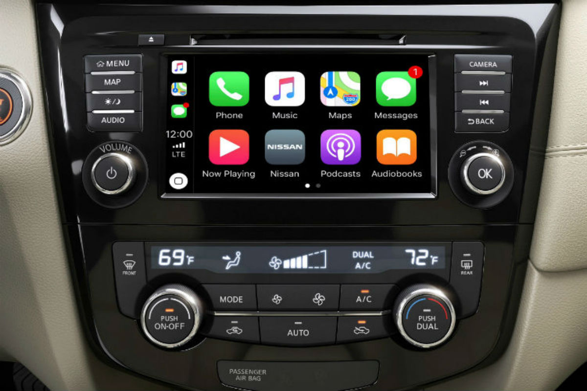Touchscreen display of the 2019 Nissan Rogue
