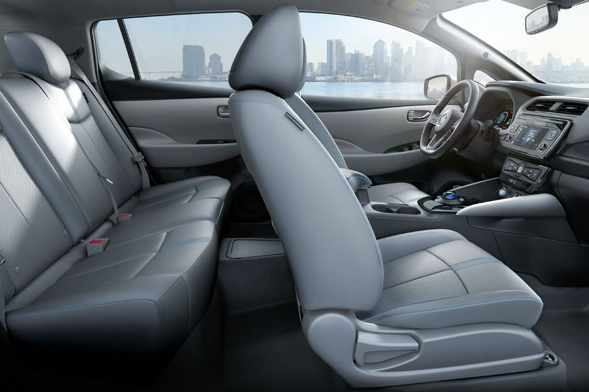 Side view of the two rows of interior seating in the 2019 Nissan Leaf