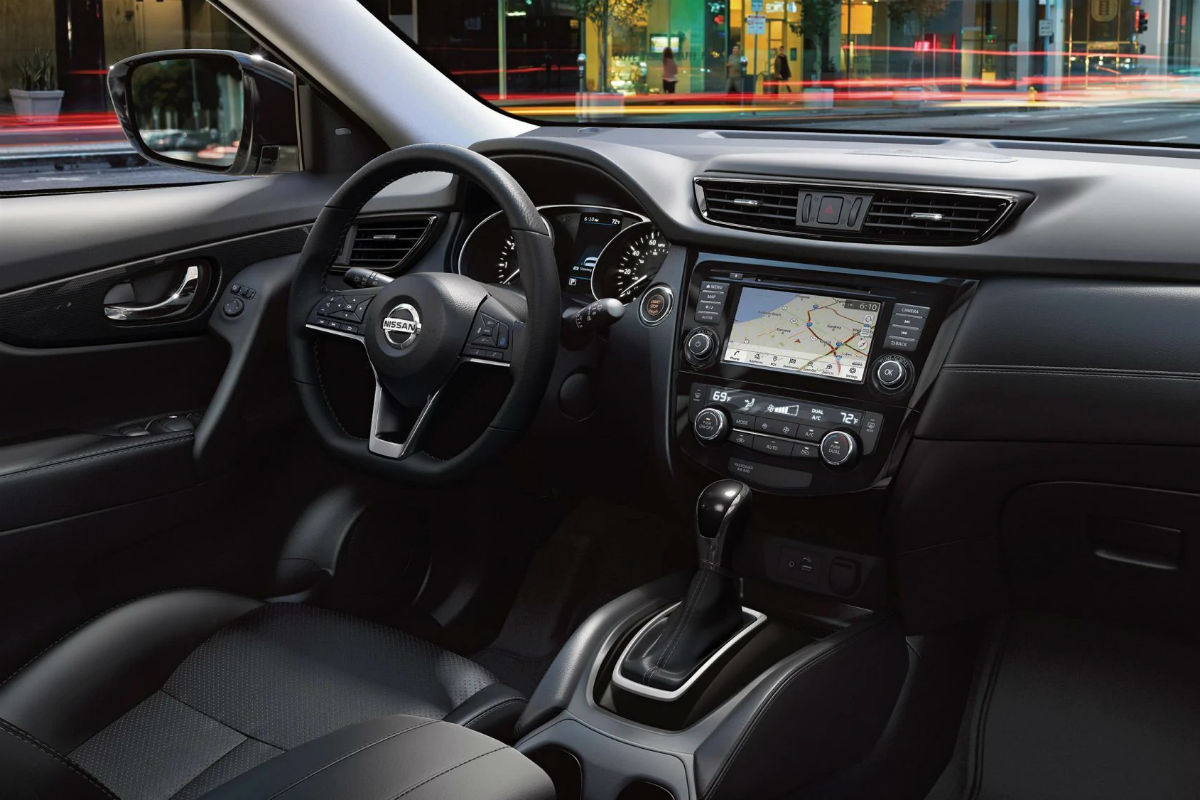 Driver's cockpit of the 2019 Nissan Rogue
