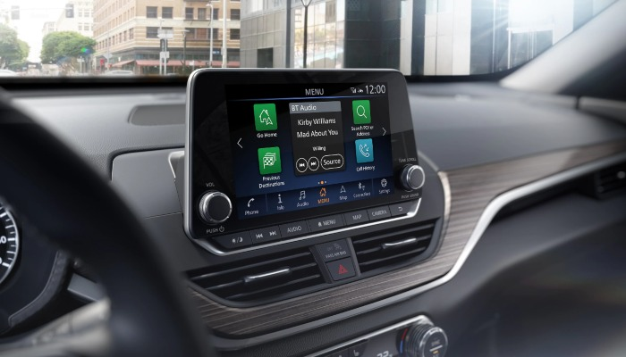 2020 Nissan Altima dashboard