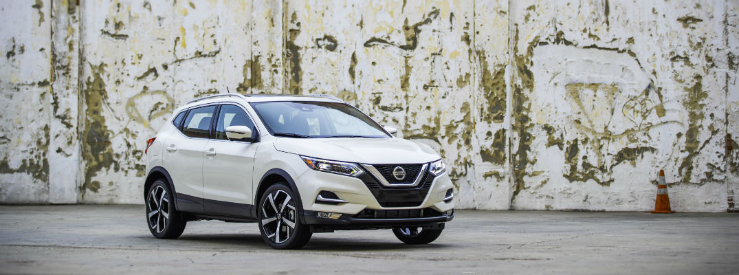 2021 Nissan Rogue Sport parked in front of a wall