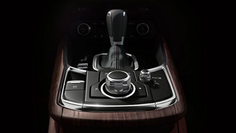 2018-Mazda-CX-9-shiftknob-and-Multifunction-Commander