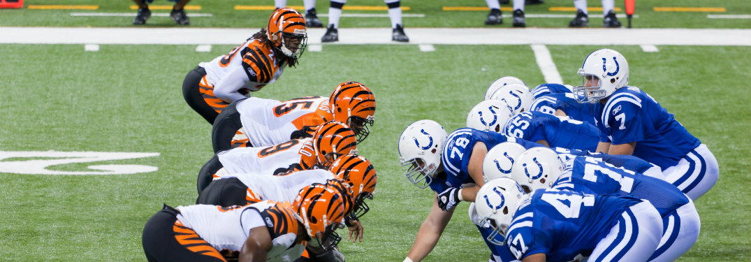 bengals and colts lining up on line of scrimmage