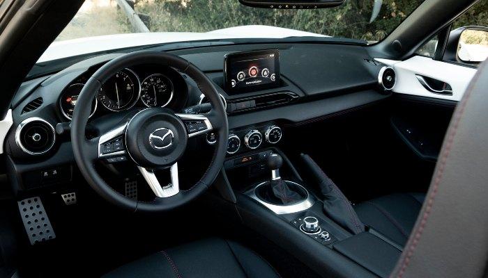 2019 Mazda MX-5 Miata dashboard
