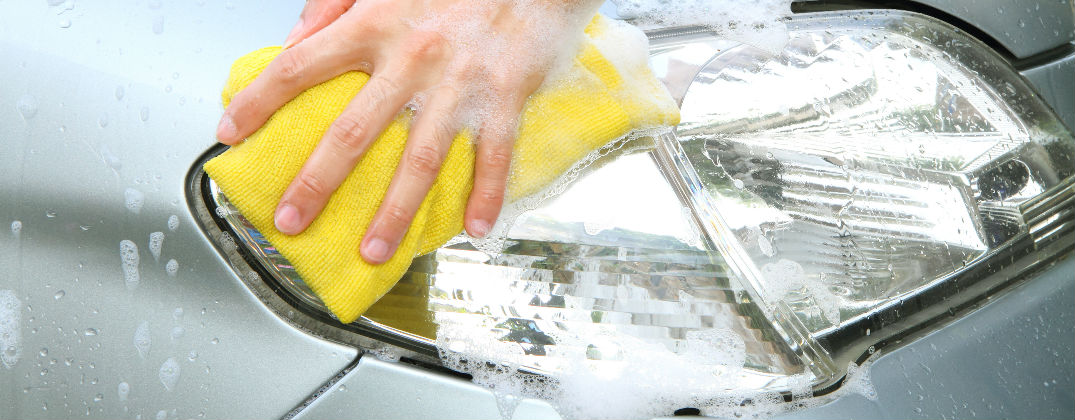How To Clean Your Foggy Headlights At Home