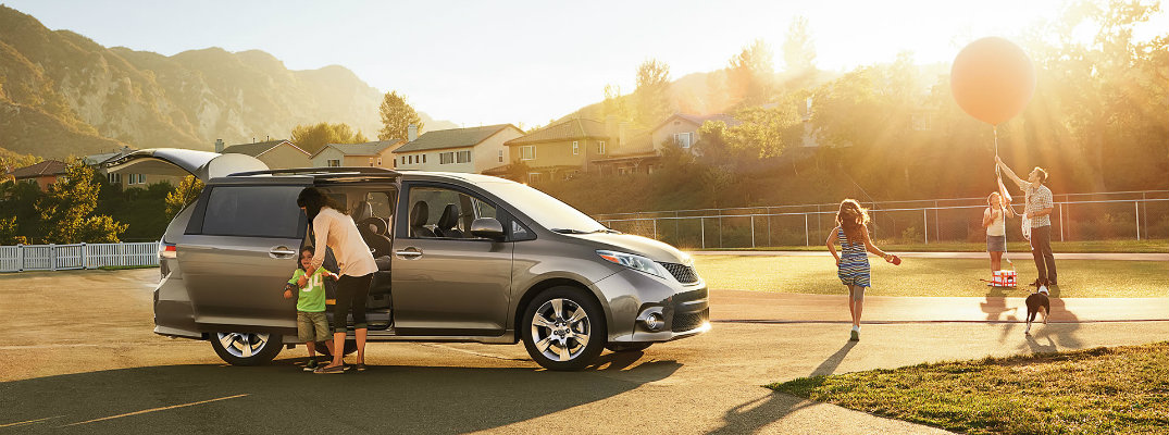 How much room does the 2017 Toyota Sienna have?
