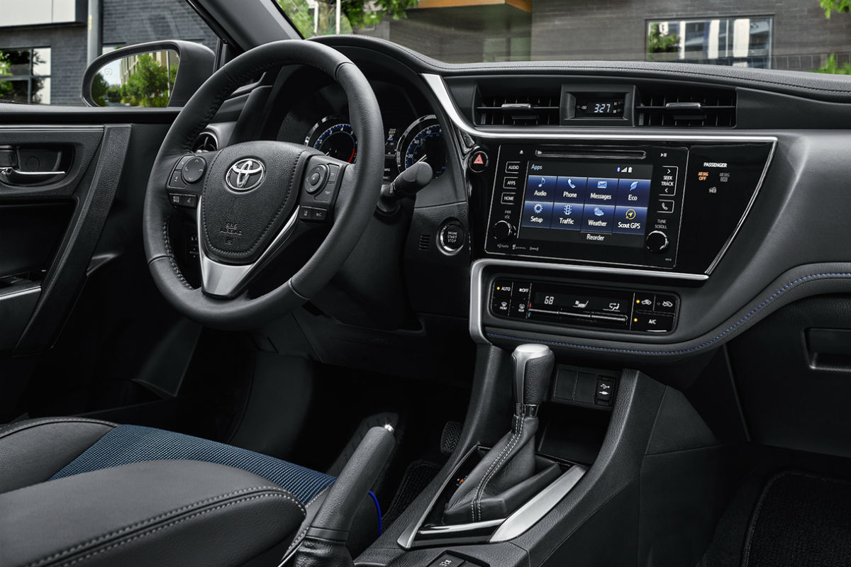 Drivers cockpit of the 2018 Toyota Corolla