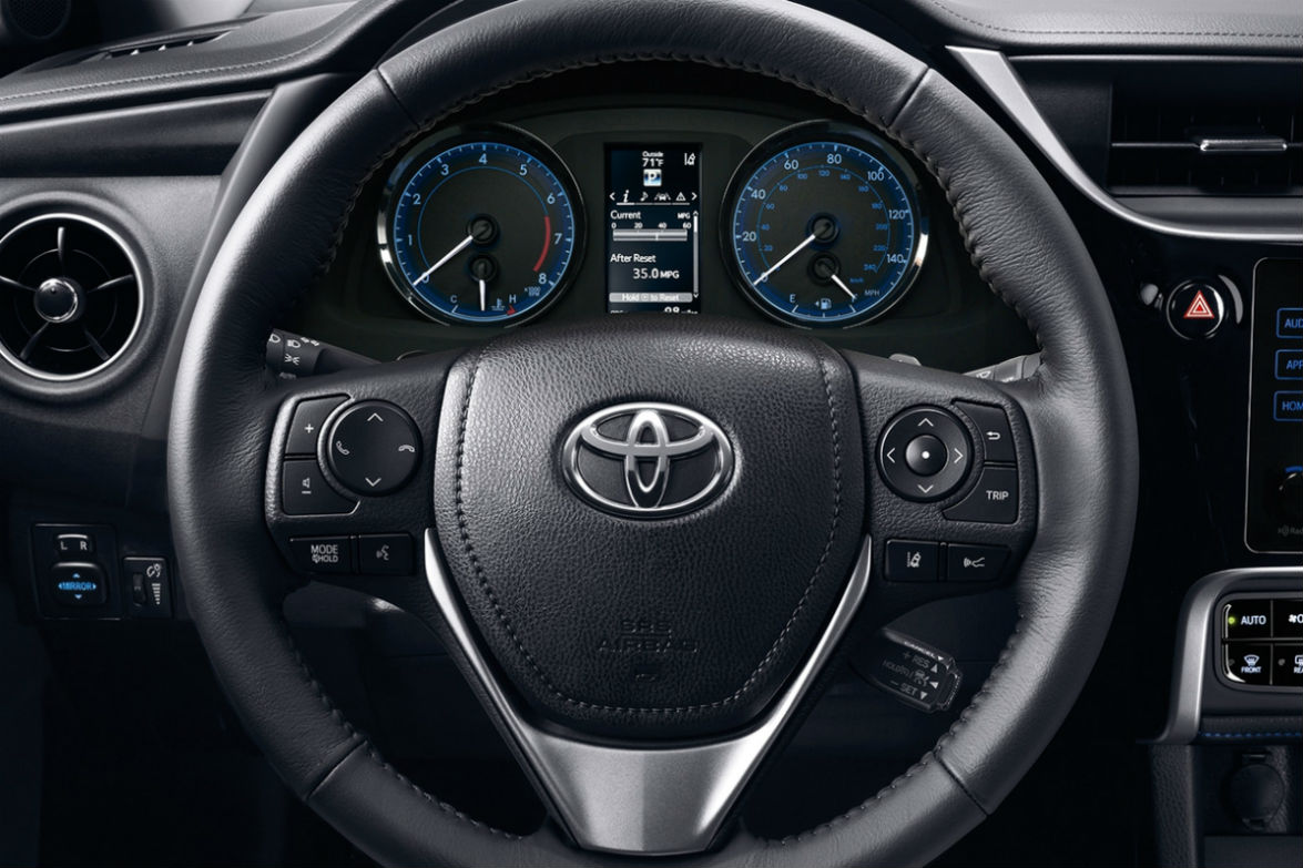 Steering wheel and driver info display of the 2018 Toyota Corolla