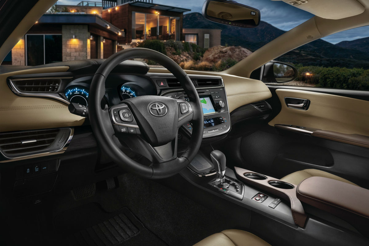 Drivers cockpit of the 2018 Toyota Avalon Hybrid
