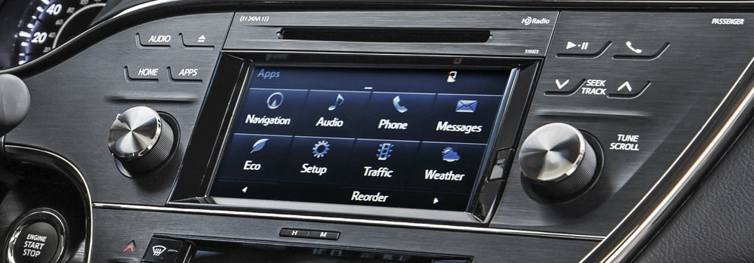 Toyota Entue 3.0 display close up view