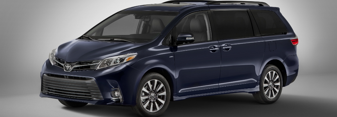 2018 toyota sienna front and side exterior