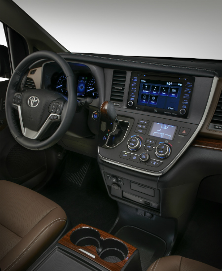 2018 Toyota Sienna interior cabin and dashboard