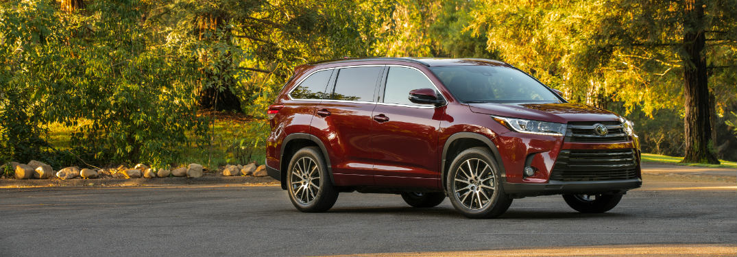 Comparing the 2018 Toyota Highlander and Highlander Hybrid