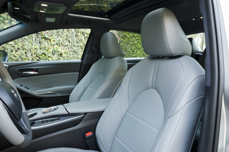 front seats of 2019 toyota avalon