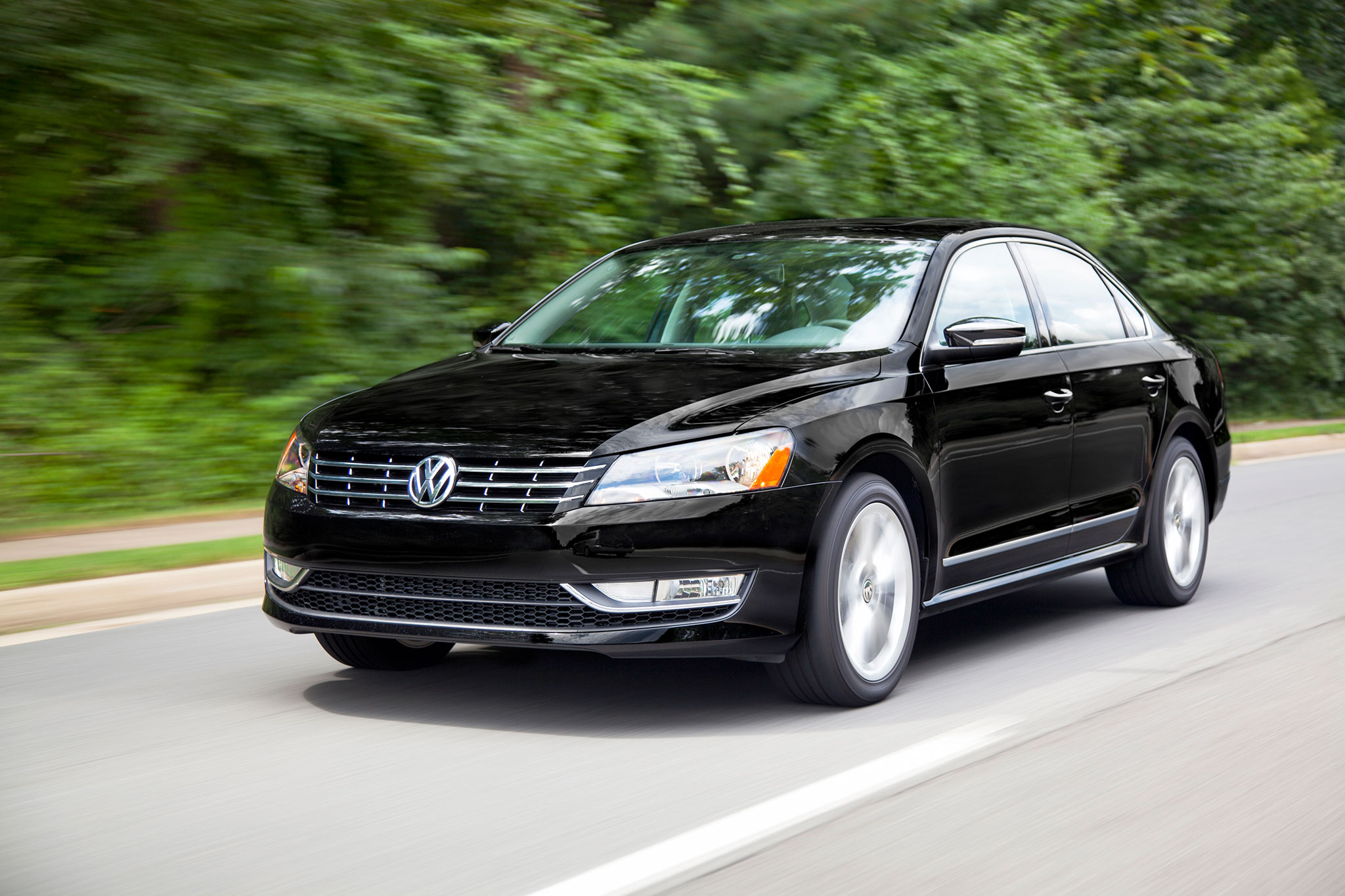 2014 Vw Passat Boasts Variety Of Engines And Trim Levels